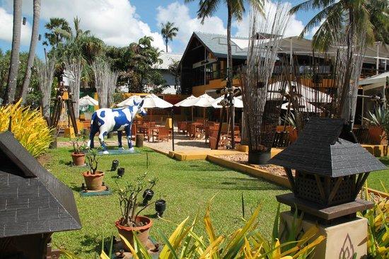Mövenpick Resort and Spa Karon Beach Phuket: Ресторан