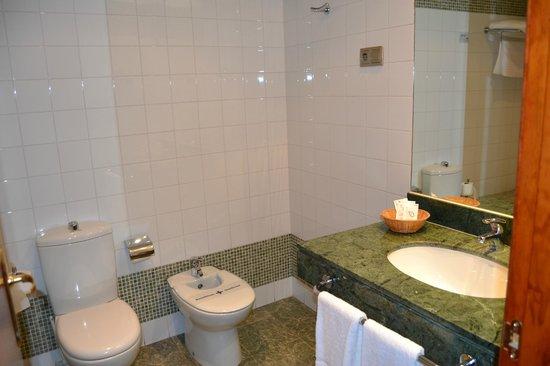 Hotel Las Villas de Antikaria: Baño