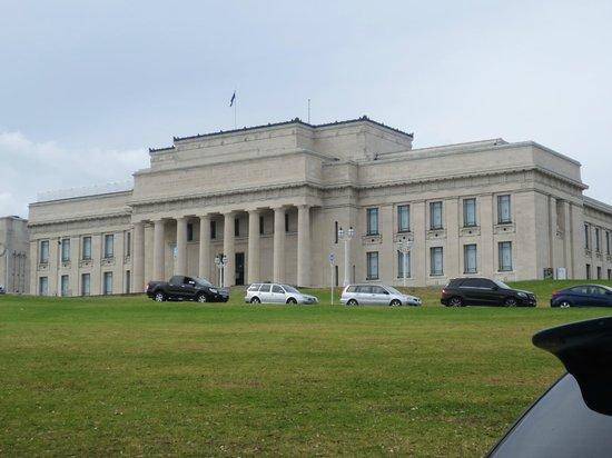 Musée du mémorial de guerre d'Auckland : Amazing buildings