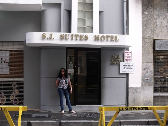 S.J. Suites : Hotel front 2