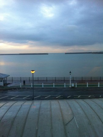 Premier Inn Dover Central (Eastern Ferry Terminal) Hotel : View