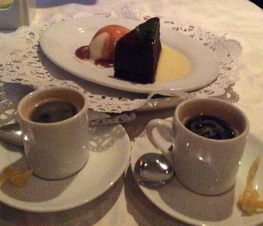 Le Clos: Chocolate Cake with Homemade Ice Cream and Caramel Sauce