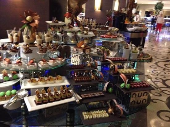 Susesi Luxury Resort : klein gedeelte van het dessert buffet