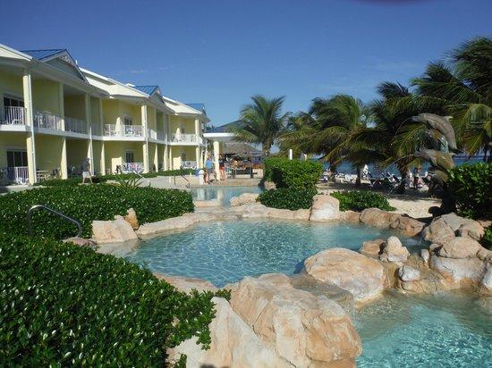 Wyndham Reef Resort: The pools