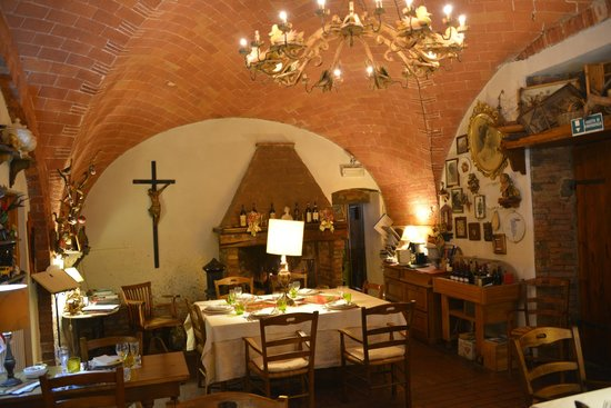 Lo Steccheto: The room is decorated with many of Giancarlo's creations besides the food.