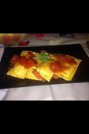 Red and White Sas Wine Bar Sottovoce Restaurant : Ravioli che spettacolo!!!!!