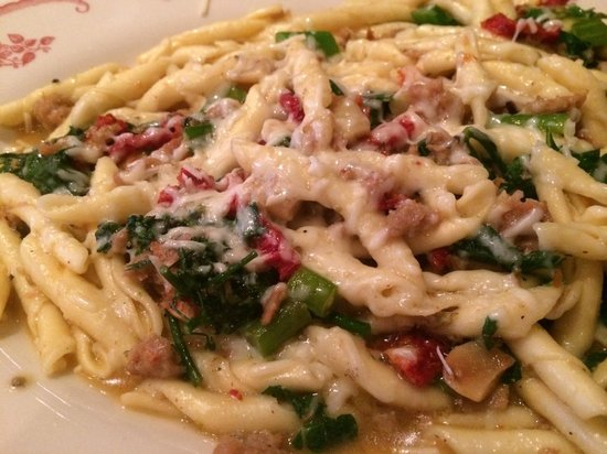 Maggiano's Little Italy : Hand twisted country  pasta dish