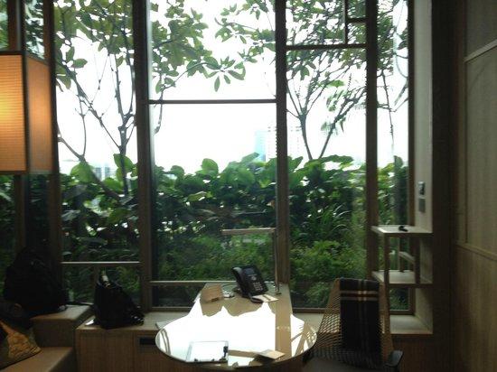 PARKROYAL on Pickering: taman hijau di pinggir kamar