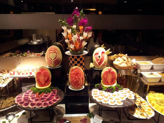 Grand Sarovar Premiere Mumbai : Salat choice at dinner buffet