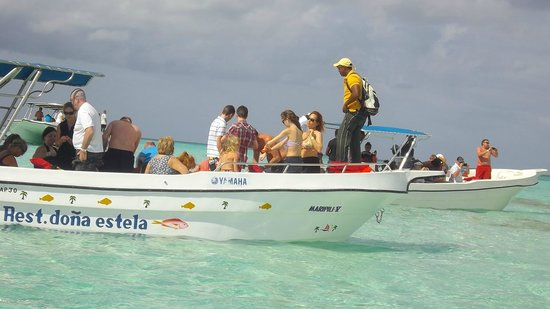 Saona Island: Loading up to travel out to catamaran