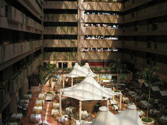 Barcelo Ixtapa: Vue de la salle à manger à partir de l'ascenseur