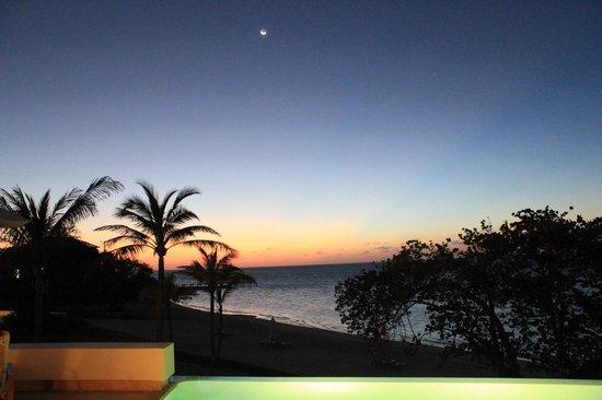 Las Verandas Hotel & Villas : Sunset WITH MOON..simply spectacular!