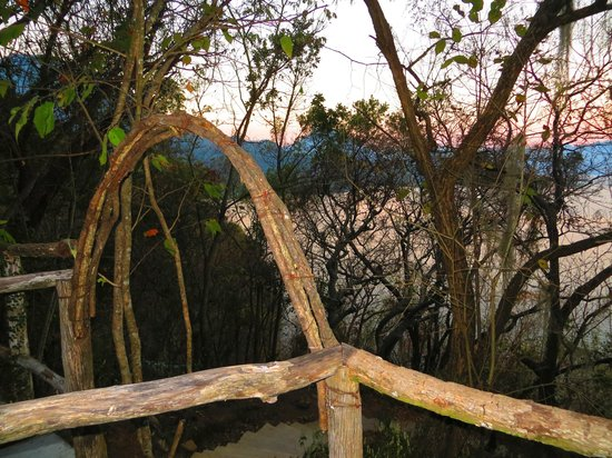 Kaalpul Atitlan Eco Hotel & Spa: Sacred Mountain Dome grounds