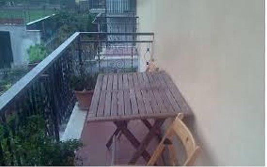 Family Tony E Patrizia B&B: balcone camera