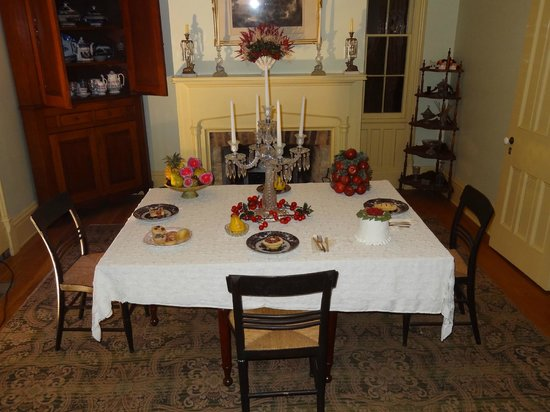 Heritage Village Museum: Dinner in a important home