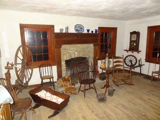Heritage Village Museum: Furnishing of a log cabin