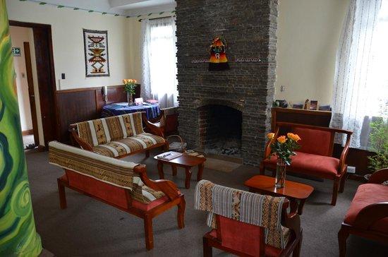 Kingdom Kichwa: Chillout Lounge & Fireplace
