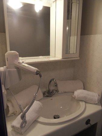 Residence Les Cordeliers: Salle de bains