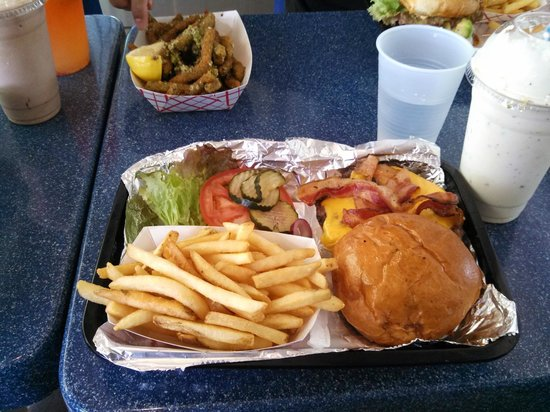 Joe's Farm Grill: Bacon Farm Burger w/ Fries and side of Fried Green Beans
