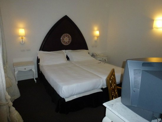 UNA Hotel Palace : Zimmer