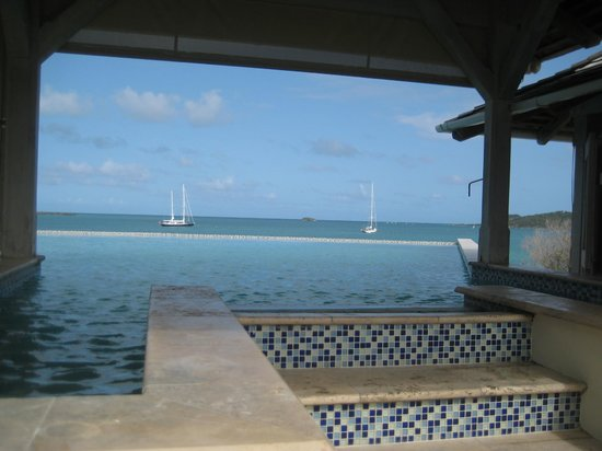 Nonsuch Bay Resort : restaurant swimming pool