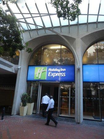 Holiday Inn Express Cape Town City Centre : Fachada