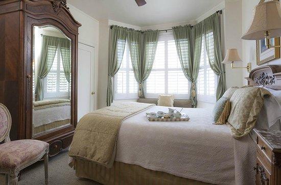 Washington Square Inn : Deluxe Guestroom