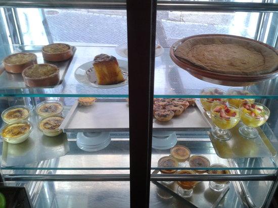 Restaurante A Muralha : montra de sobremesas