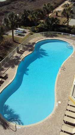Shore Crest Vacation Villas : Large pool with an additional lazy river.