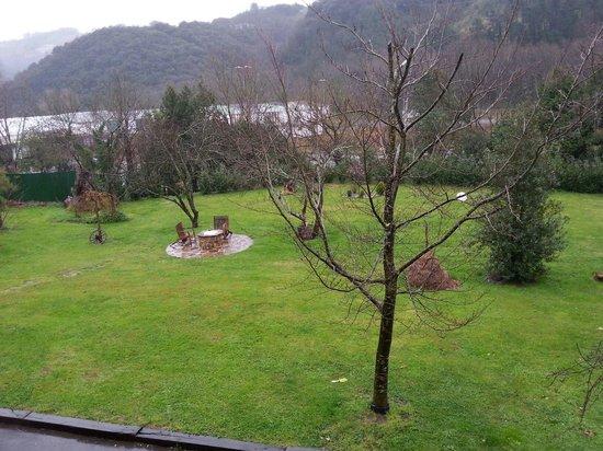 Casa Rural Jesuskoa: Jardín