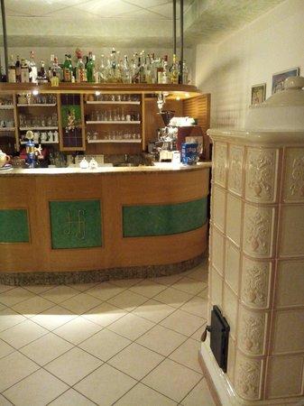 Hotel Job: Bar