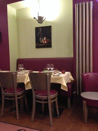 GALLUS : Dining area