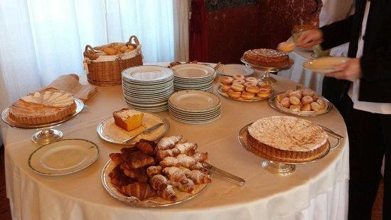 Sina Brufani: Breakfast