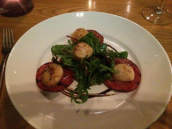 Red Onion: Scallops with chorizo