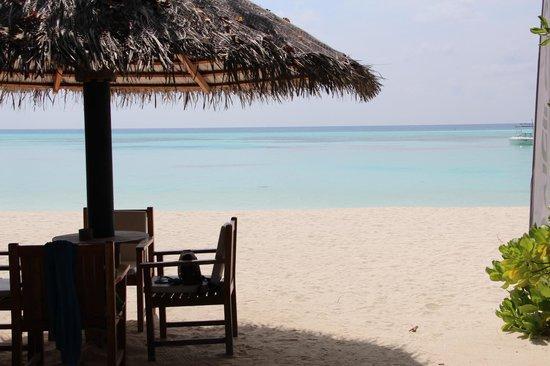 Olhuveli Beach & Spa Maldives: vue lagon