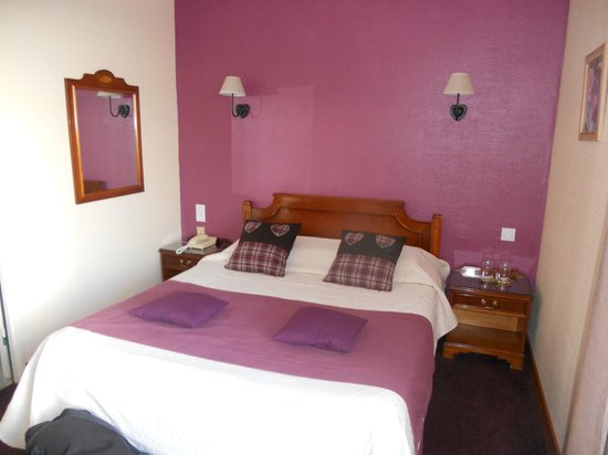 HOTEL LES ALPAGES : Chambre n°9