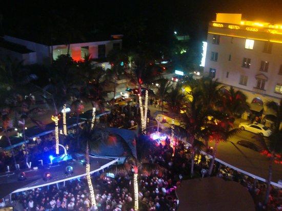 Clevelander South Beach Hotel : Asi es clevelander siempreee