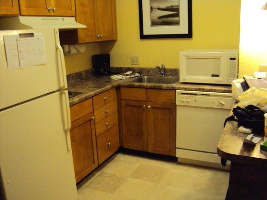 Residence Inn Fort Lauderdale SW/Miramar : Cozinha bem equipada