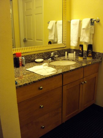 Residence Inn Fort Lauderdale SW/Miramar : Pia e sanitario separados