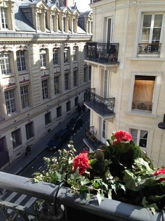 Grand Hotel Saint-Michel : View from the window