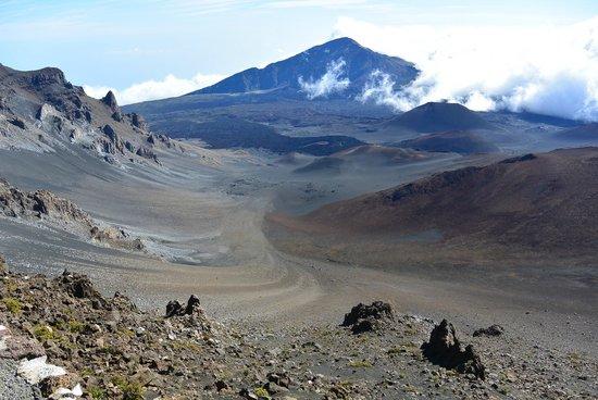 Paia, Hawaï: view of Haleakala Volcano