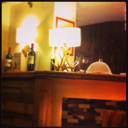 Hotel Cresta et Duc: Bar area