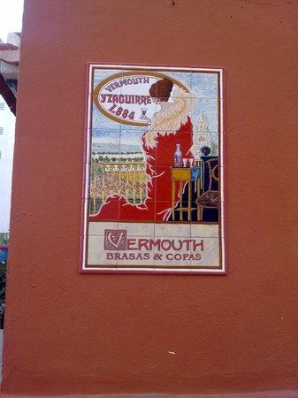 Vermouth Brasas y Copas: mosaico
