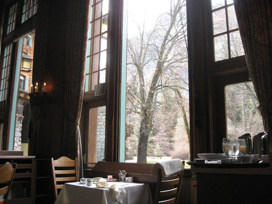 The Majestic Yosemite Hotel: Dining room