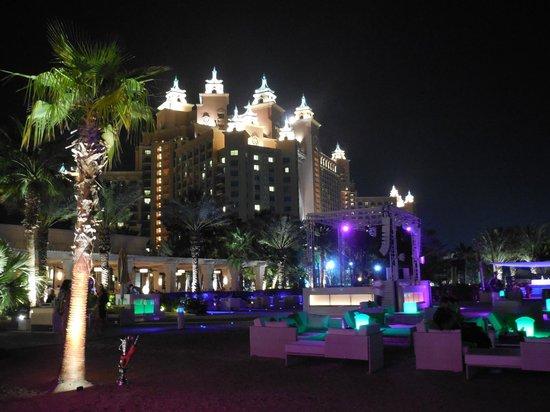 Atlantis, The Palm : Nasimi Beach la nuit (Bar disco à la plage)