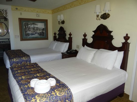Disney's Port Orleans Resort - French Quarter: Typical Room - 2 Queen Beds