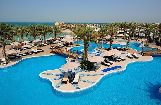 Sitrah, Bahrain: Al Bander Hotel & Resort