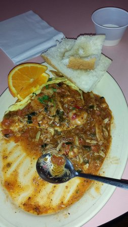 Ooh my lord, one of the best dishes at Big Easy. Just ask for it.. ( SAINTS OMELET ) crab meat,