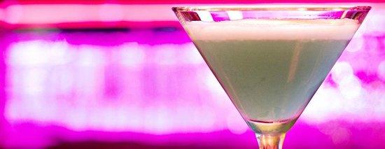 Foxy's Fine Food & Drinks : Happy Hour Martini