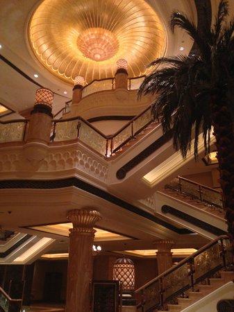 Le Cafe: Emirates Palace